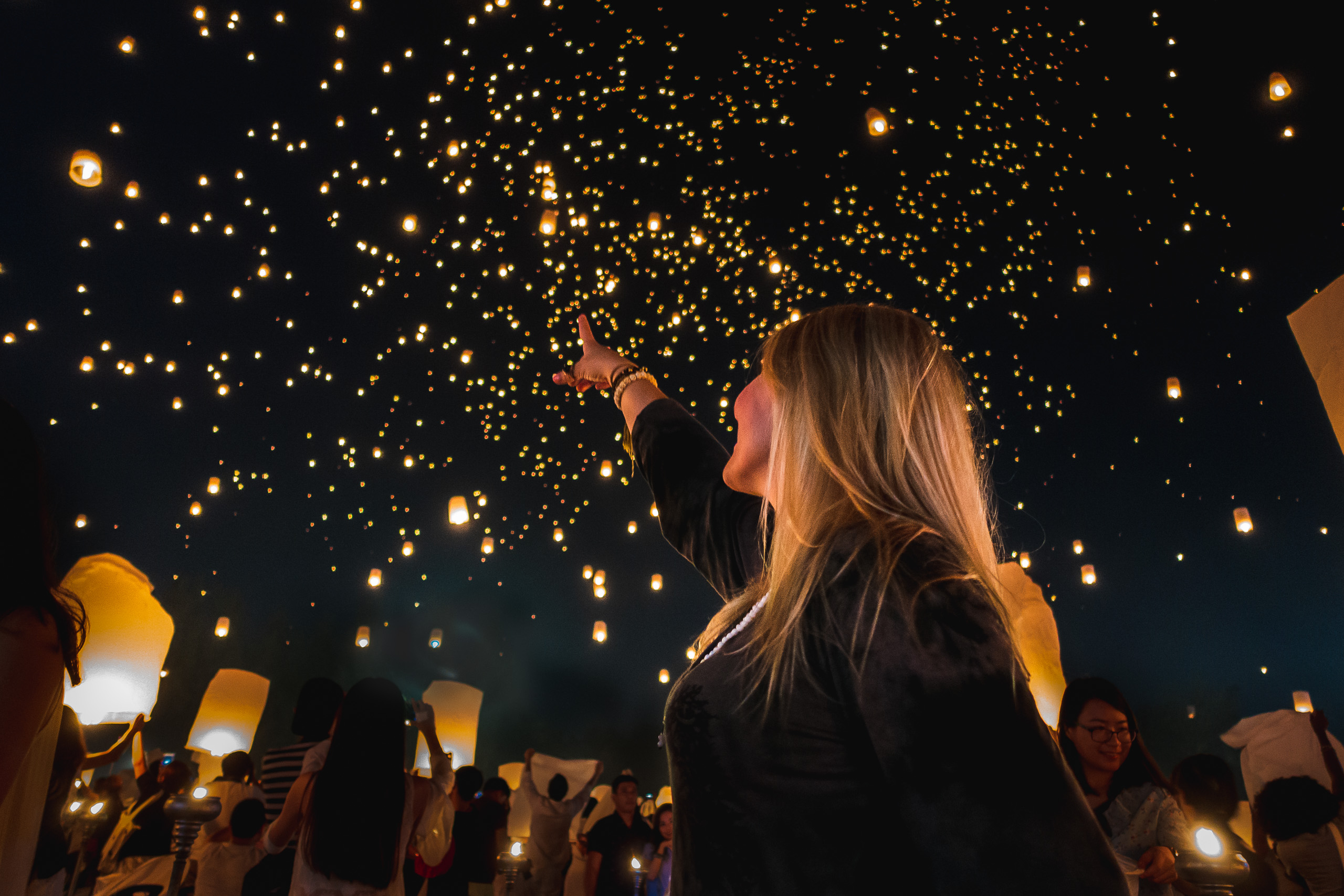 Floating Lantern Festival Chiang Mai Thailand Humble And Free